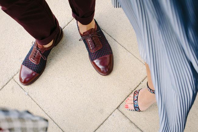カジュアルな革靴の例