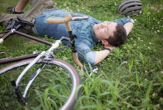 休息を取る男性
